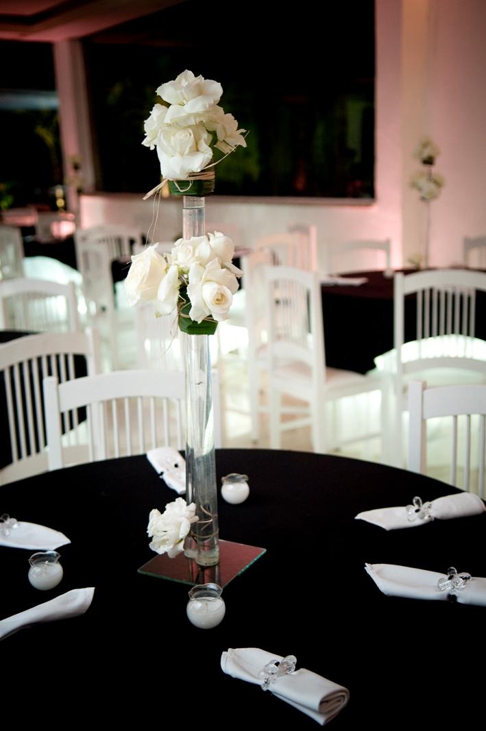 decoracao de casamento preto e branco flor - Internovias