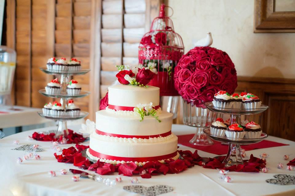 Decora o de casamento vermelha blog internovias for Addobbi per laurea
