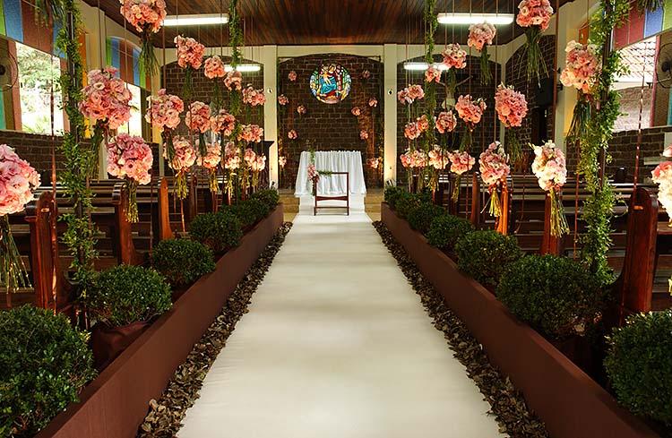 foto-decoracao-do-altar-de-casamento-05