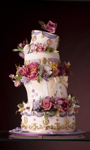 imagem-de-bolo-de-casamento-criado-por-nelson-pantano-the-king-cake-1354105803902_300x500