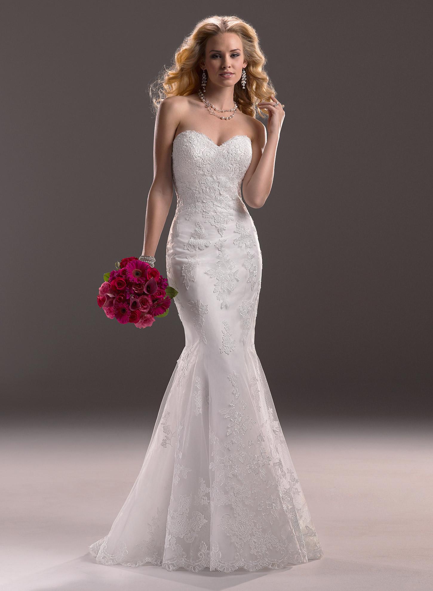 Vestido de Noiva com cauda destacável