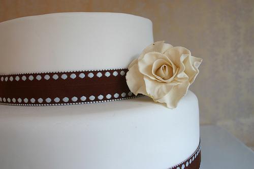 A Confecção do Bolo de Casamento