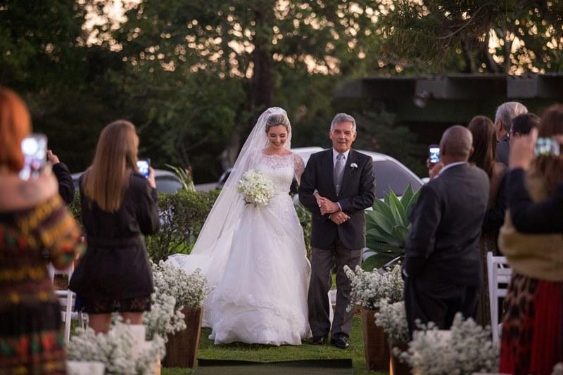 entrada-da-noiva-casamento-rustico