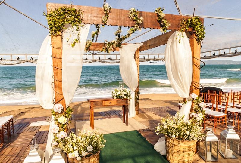 Excepcional Casamento Inspirado na Praia - Internovias LV64