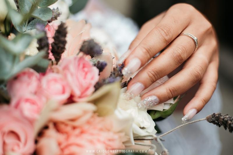Significado das cores no esmalte da noiva