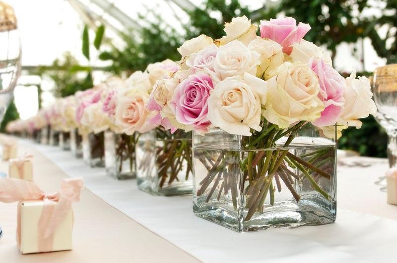 Rosas na decoração do casamento
