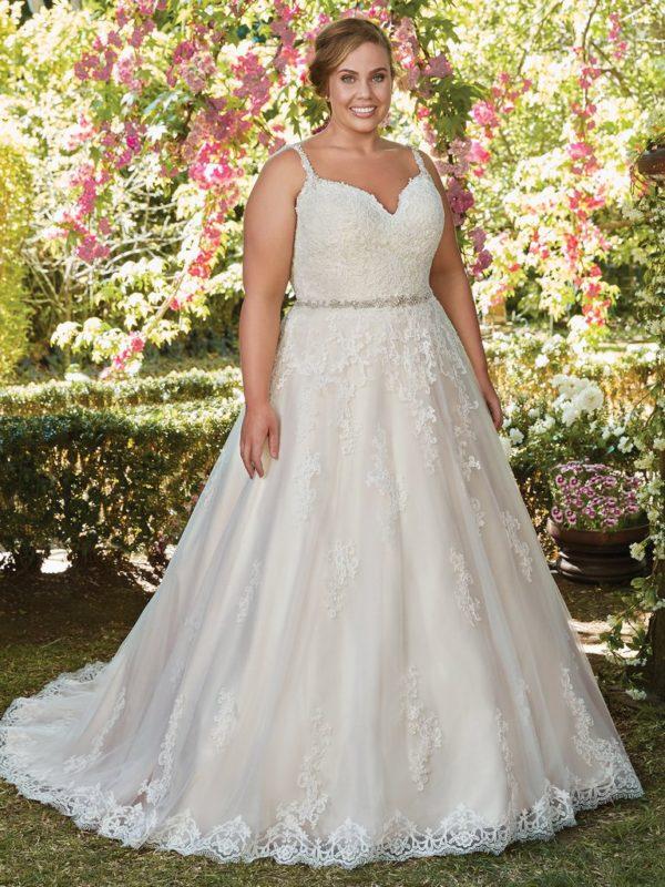 54494c5107 Veja alguns dos nossos vestidos de noiva plus size e que estão entre os  favoritos da Internovias.