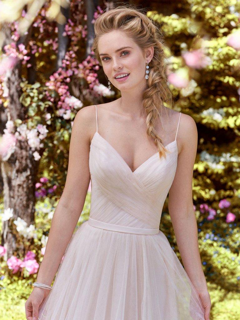 2faabaa5aa Tendências 2019 em vestidos para casamento - Internovias