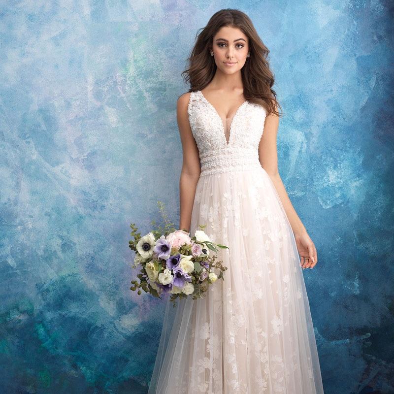 Mega Queima de Estoque Anual de Vestidos de Noiva para Aluguel e Compra