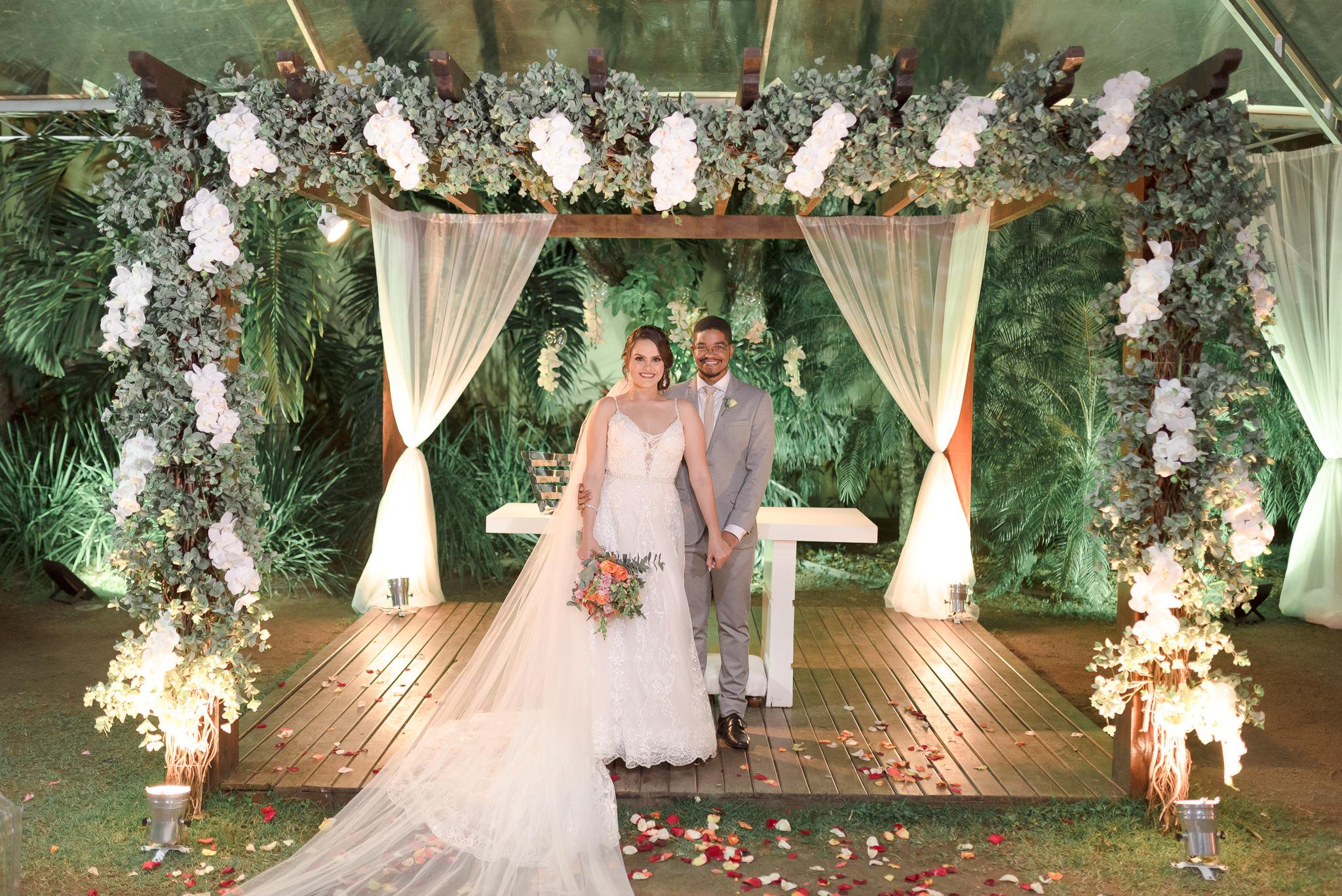 Casamento Rústico Chique no Oásis Festas | Noiva Internovias Marianna