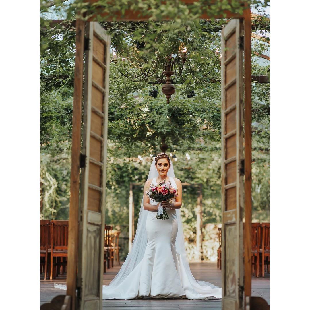 Como combinar seu estilo de vestido de noiva ao local do casamento