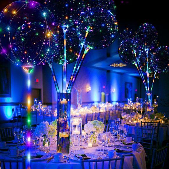 É tendência: Balão de LED no Casamento