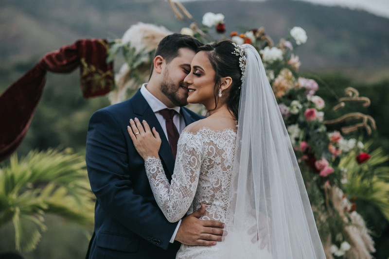 Mini Wedding ao Ar Livre | Noiva Internovias Taliane