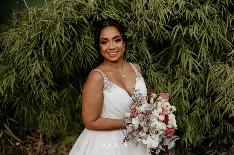 Mini Wedding de Dia no Sítio Enfesta | Noiva Internovias Leidyane