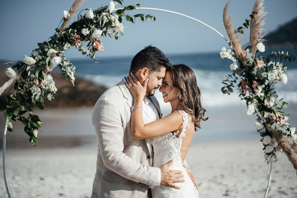 Elopement Wedding na Praia de Grumari | Noiva Internovias Manu