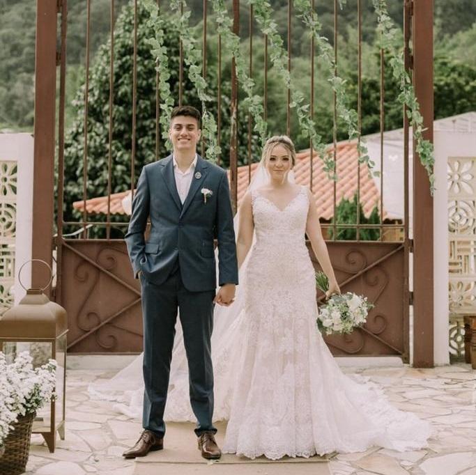 Casamento de Dia ao Ar Livre na Vila Monsaraz | Noiva Internovias Stefany
