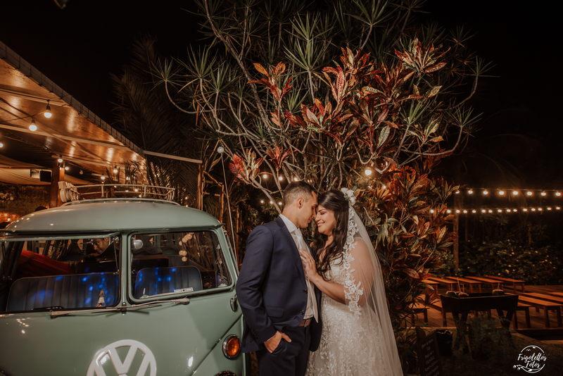 Casamento na Igreja à Noite | Noiva Internovias Caroline
