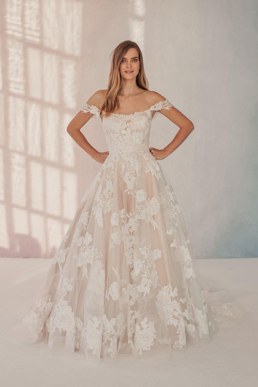 Vestido de noiva off white: as peças mais deslumbrantes do RJ
