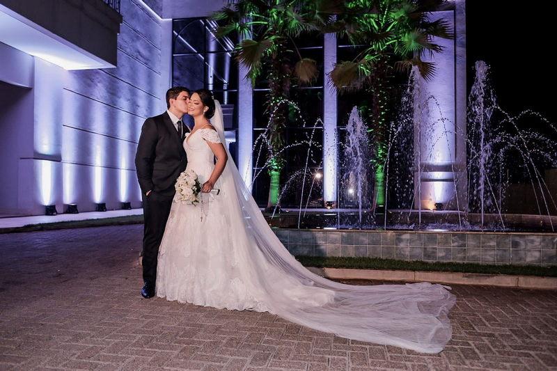 Casamento ao Ar Livre à Noite no Villa Felici Buffet | Noiva Internovias Luísa